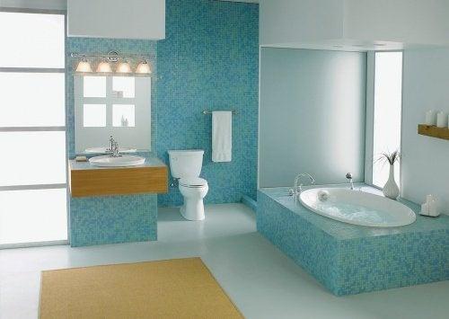 Почистете банята с натурални средства.