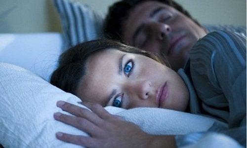 Грижите и безсънието ни състаряват