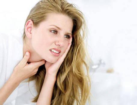 постоянната кашлица е един от сериозните 7 симптома при жените
