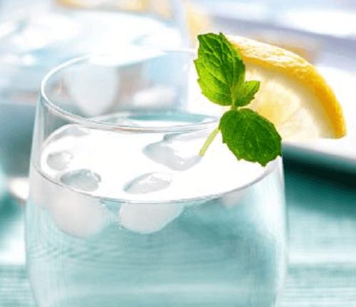 voda s led i limon