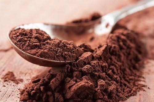 красиви очи със зехтин и какао на прах