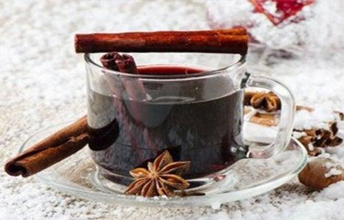 Контролирайте кръвната захар с канела и карамфил