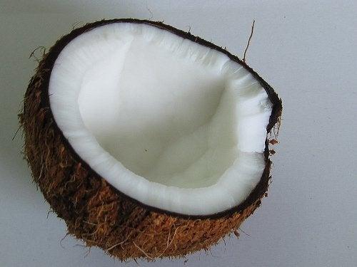 кокосова вода за хидратиране на организма