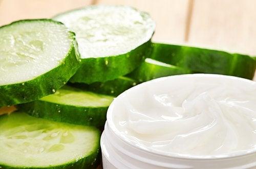 Краставиците са естествен тоник за отпуснатата и увисналата кожа.