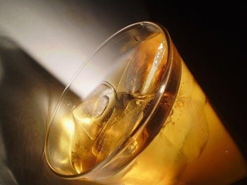 безалкохолните напитки предисвикват къркоренето на корема