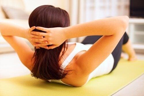 Упражненията за корем помагат в борбата с увисването след бременност.