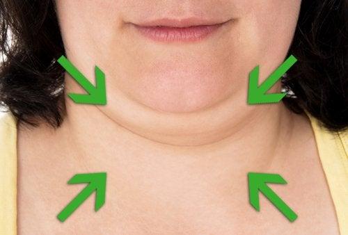 Правете упражнения за намаляване на двойната брадичка