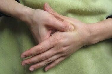 Стимулация на точки при седалищна болка