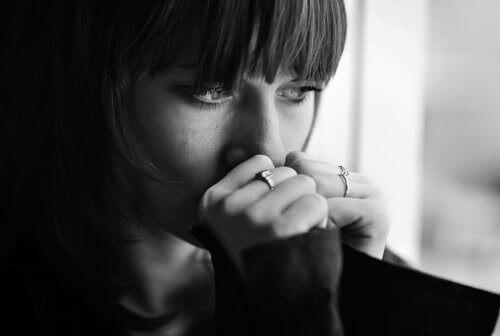 Какво представлява хроничната тъга - дистимия