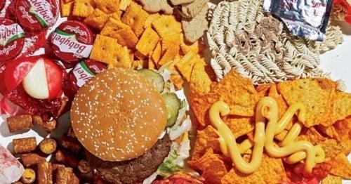 Преработена и бърза храна не е полезна за децата.