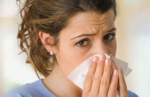 Тече ли ви често кръв от носа? Узнайте защо!