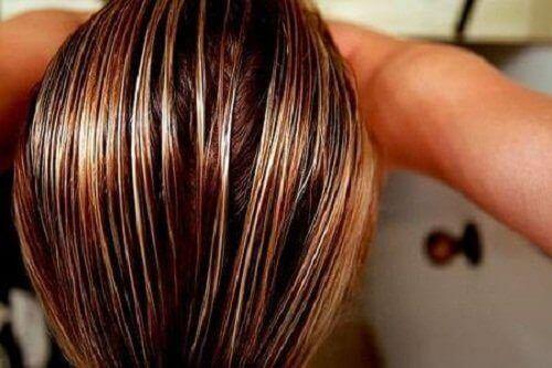 Употреба на чаените торбички и кафето в грижата за косата