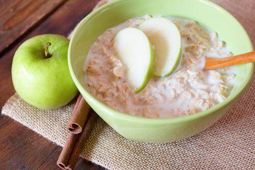 овесени ядки със селена ябълка и канела срещу лош холестерол