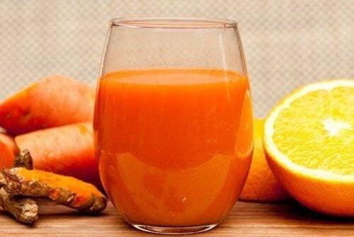 Сок с антиоксиданти за облекчаване на артрита