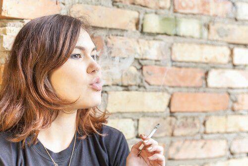 Пушенето е причинител на лошия дъх