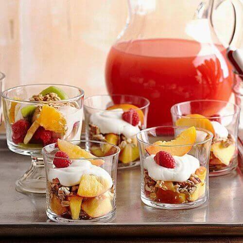 Йогурт с плодове