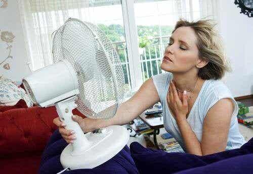 Горещи вълни, провокирани от менопаузата