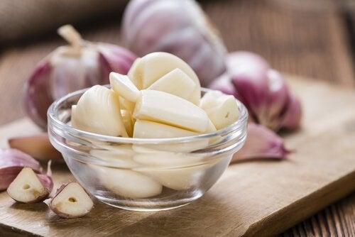 натурално средство с чесън и лимон против холестеролни плаки