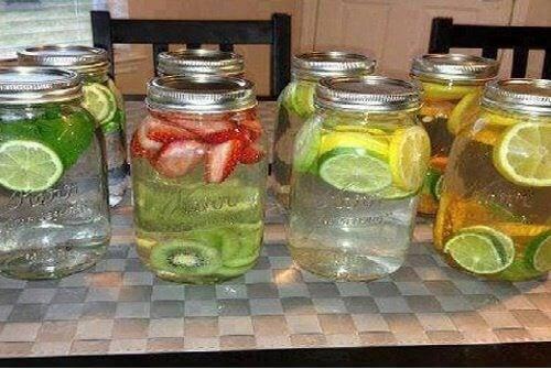 8 лечебни ароматизирани води, които да опитате