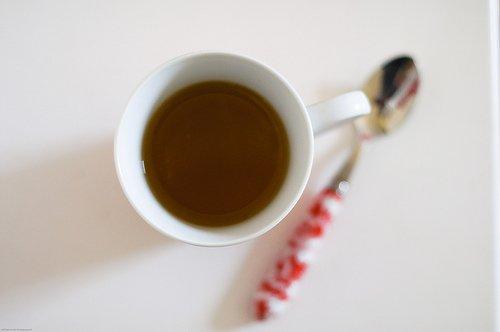Избягвайте приема на вода по време на хранене. Може да го замените с чай.