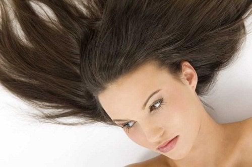 Как да стимулираме косата да расте по-бързо