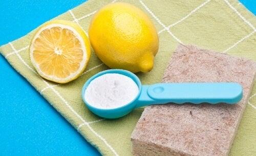 Как да почистваме дома евтино и без химикали