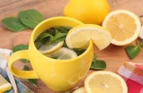Чай от лимоновата кора