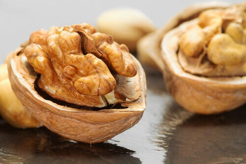 Орехите са топ храна, поддържаща мозъка активен.