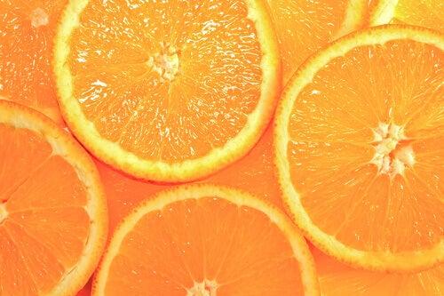 разширените пори се лекуват с алое вера и портокал