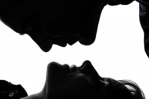 целувката в една връзка трябва да е всеки ден