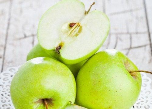Ябълков сок за детоксикация на червата
