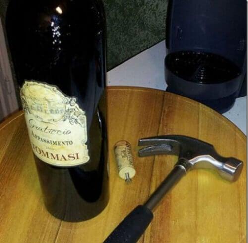 Домашни трикове - отваряне на вино без тирбушон