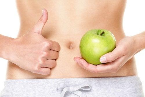 Ябълките се борят със запека и диарията.