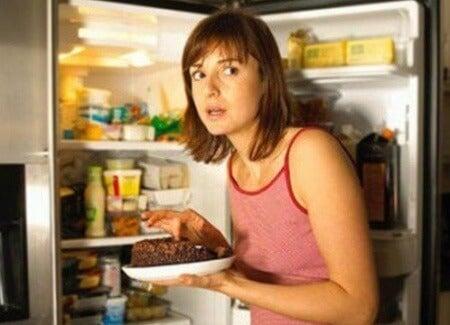 Кои са факторите, които провокират постоянното желание за храна?