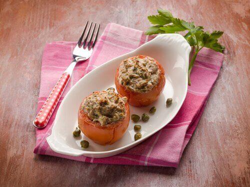 Пълнени зеленчуци: домати