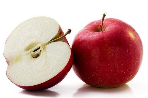 ябълки в хладилника