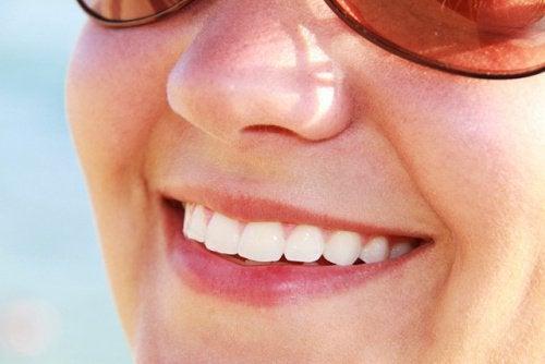 Безалкохолните напитки ускоряват зъбната ерозия и отслабват емайла