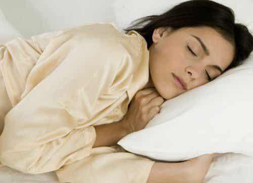 8 най-полезни храни за добър нощен сън