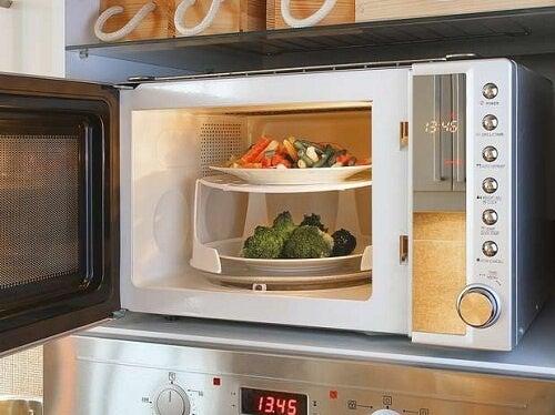 Негативните ефекти от използването на микровълновата печка