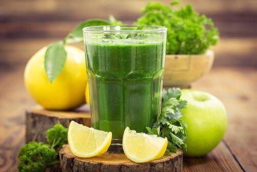 5 полезни напитки за отслабване