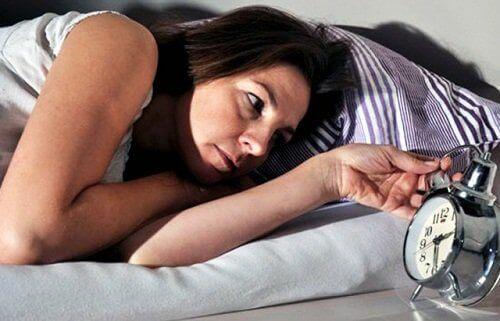 Безсънието е симптом на проблем с щитовидната жлеза
