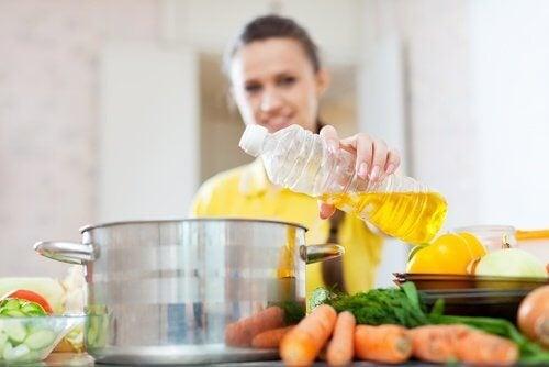 Най-полезните и най-вредните мазнини за готвене
