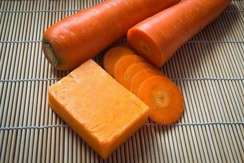 Как да направим домашен сапун с моркови за красива кожа