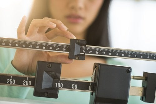 Необяснима промяна на теглото - симптом за хипотиреоидизъм.