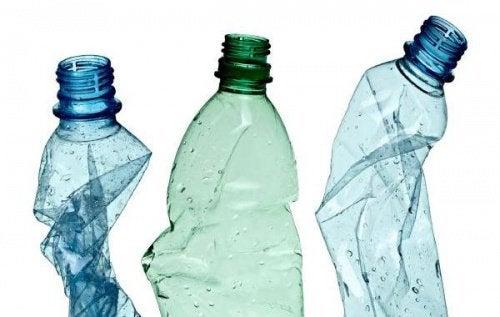 Пластмасата влияе на щитовидната жлеза.