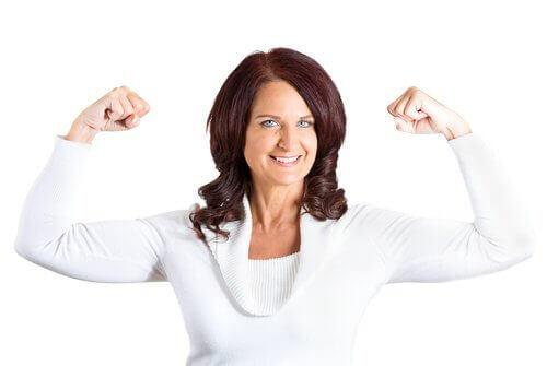 По-силни рамене с помощта на лицеви опори