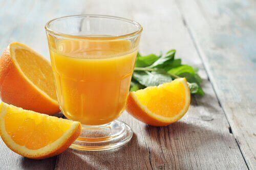 Витамин С в портокалите ускорява процеса на усвояване на желязото