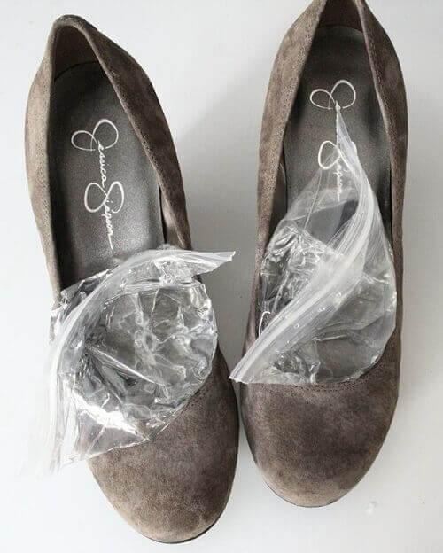 тесните обувки предизвикват болки в стъпалата