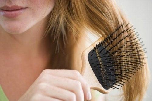 Натурални средства срещу падане на косата