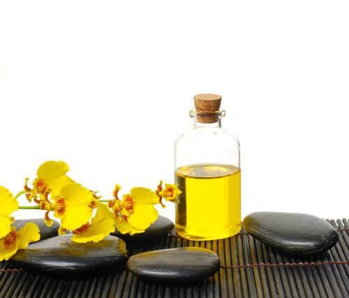 Рициново масло срещу падане на косата